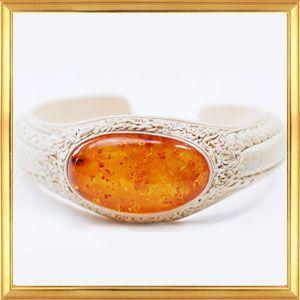 世界に一つだけのブレスレット 大きな美しい琥珀の天然革ブレスレット C|giyaman-jewellery