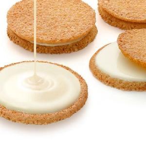アーモンドクッキー(ガレット)の間にホワイトチョコをサンドし、食感の良さがたまりません。内容量:8枚...