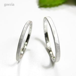 華奢な結婚指輪。ハードプラチナ900で製作。細みなデザイン、刻印も入れられます。 goccia 02