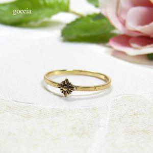 アンティークな雰囲気の華奢リング。|goccia