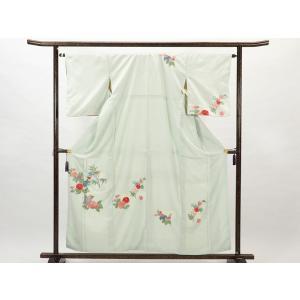 正絹の薄ブルー地の袷訪問着です。波頭のような地模様に細い花の刺繍を施した訪問着でフォーマル用途にお召...