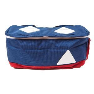◆商品説明 ・「AMY」は洋服のポケットではかさ張る荷物をしっかり収納できるスクエア型のボディバッグ...