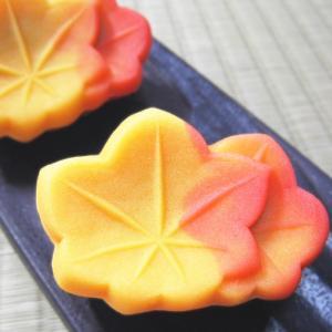 和菓子 紅葉,もみじ,練り切り製 1個,個包装*合計12個以上でご注文可 gomadaremochi