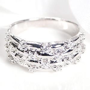 ☆上品なプラチナ900を使用した幅広アームに、キラリと光るダイヤモンド18石をあしらった、個性溢れる...