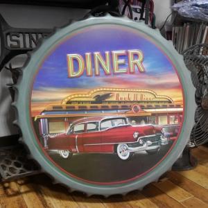 DINER 王冠型 ブリキ看板 エンボス ボトルキャップサイン アメリカン雑貨|goodsfarm