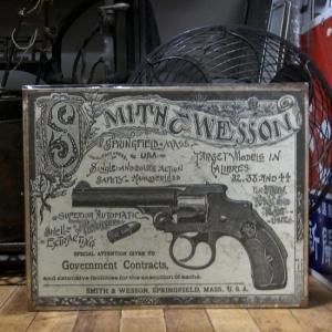スミス&ウェッソン ブリキ看板 インテリア Smith&Wesson ガバメント コントラクト|goodsfarm
