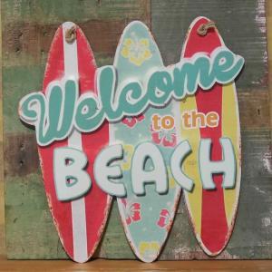 レトロデイズ ダイカットプレート BEACH インテリア サーフボード型 ブリキ看板|goodsfarm