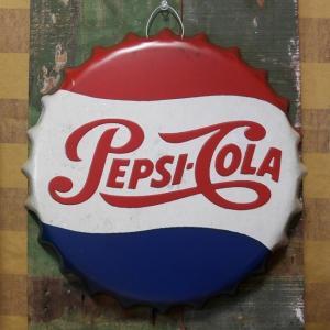 ペプシコーラ エンボス ボトルキャップサイン Pepsi-Cola インテリア ボトルキャップ型 ブリキ看板  アメリカン雑貨|goodsfarm