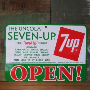 セブンアップ プラスチック サインプレート 7UP オープン クローズ サイン インテリア|goodsfarm