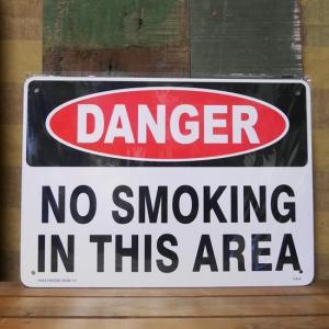 注意 禁煙プレート DANGER NO SMOKING IN THIS AREA プラスチック サインプレート|goodsfarm