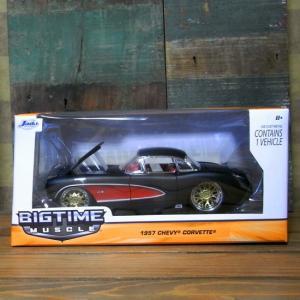 レトロミニカー 1957 CORVETTE HARDTOP 1:24サイズ シェビー コルベット JADA TOYS|goodsfarm