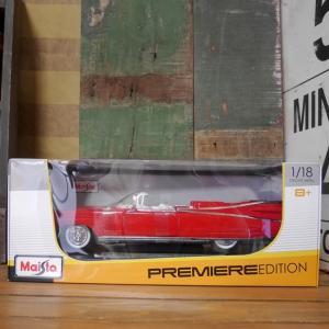 キャデラック エルドラド RED 1959 MAISTO 1/18 レトロミニカー インテリア|goodsfarm