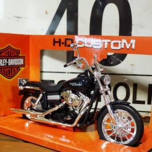 ハーレーダビッドソン 2006 FXDB1 DYNA ストリートボブ バイク インテリア 1/12 Maisto オートバイ Harley-Davidson|goodsfarm