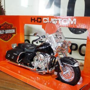 ハーレーダビッドソン 2013 FLHRC ROAD KING クラシック バイク インテリア 1/12 Maisto オートバイ Harley-Davidson|goodsfarm