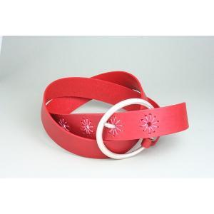 インパクトある赤色のレディース革ベルト|gorgeous-ya