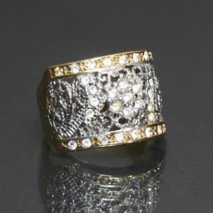 リング 指輪 細かいスワロフスキーが輝く繊細なゴージャスリング わけあり品 アウトレット 【ゴールド/シルバー】ring-11-07|gorgeous-ya