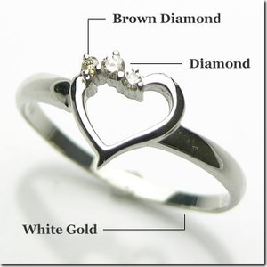 K10ホワイトゴールド ダイヤモンド スリーストーン ハートモチーフリング|gradior