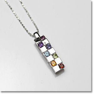 厄除けには7色の長い物 厳選した天然石を使った幸運を呼ぶ七色セブンカラー K18ホワイトゴールド厄払いレインボータグペンダント|gradior|02