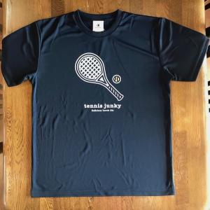 テニスジャンキー 半袖Tシャツ TJ19002  「ラケット犬+1」 ブラック|grancha914