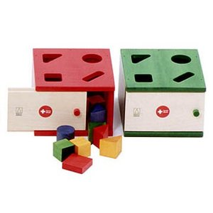 【アルビスブラン社(スイス)】Aポストボックス赤(1才から)(積み木/ブロック/お誕生日 1歳 男(男の子)/お誕生日 1歳 女(女の子)/木のおもちゃ/木製玩具/出産祝い|grande0606
