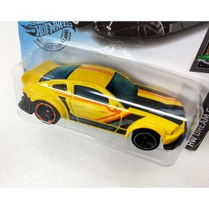 Hot Wheels Basic:2005 フォード・マスタング('05 Ford Mustang)(イエロー)|grease-shop|02