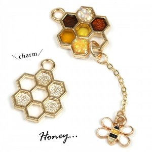 【チャーム】ハチの巣 《きれいめゴールド 》 [みつばち,昆...