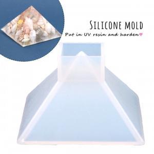 大きなピラミッドが作れちゃうシリコン型です。オルゴナイト作りにもおすすめ^^お好きな封入素材と一緒に...