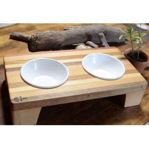 天然無垢素材の犬用食器台 Sサイズ 日本製|groovygroupie