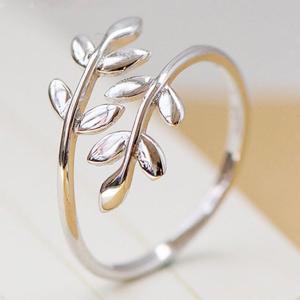 サイズフリー/葉っぱ 指輪/レディース/シルバー925 プラチナ仕上げ/C型リング アクセサリー|gulamu-jewelry