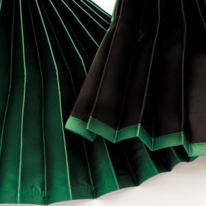 トラック用 仮眠・ラウンドカーテン 緑 ダブルフェイス(グリーン/ブラック )プリーツタイプ|guranpuri-kyoto