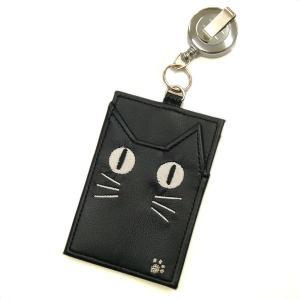 ノアファミリー 猫顔蓄光パスケース リール付 黒 hakoniwa