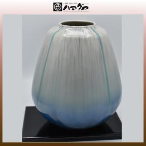 九谷焼 花瓶 白彩流 8寸 面タタキ 木台付き item no.1f011|hamadaya-shokki