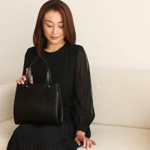 【傳濱野】水面に溶け込む雫のように持つ女性に寄り添うバッグ 雫フォーマルバッグ|hamano