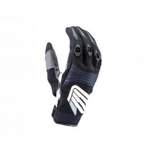 【サイズ】M 【商品説明】フィット感の良い軽量グローブ。 ●甲指部にTPRプロテクターを装備し保護性...
