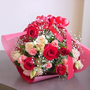 レッド系 長めの花束 お花屋さんにおまかせ フラワーギフト|hana-mizuki