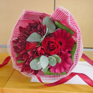 レッド系 デザイン花束 短めのブーケタイプ お花屋さんにおまかせ花材 フラワーギフト |hana-mizuki|03