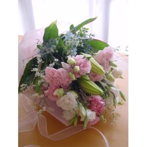 ピンクと水色のお供え花束 命日、お悔やみに|hana-mizuki