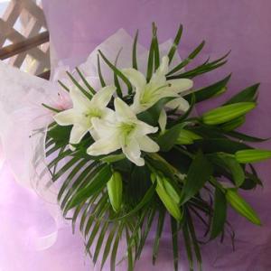 白いユリのお供え花束 通夜・葬儀にも|hana-mizuki