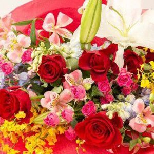 お祝い用花束(赤バラ)。送料・手数料無料。メッセージカード付。 hana-sandlot