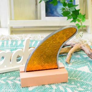 ハワイアン雑貨 フィン型ステンドグラス モチーフガラス オレンジ H14cm×W12cm オブジェ サーフボードフィン インテリア ビーチ|hanahawaii