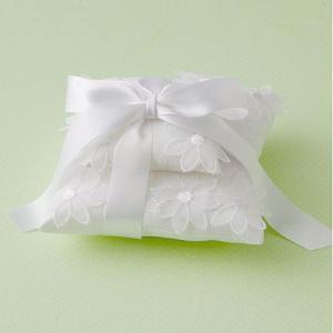 リングピロー完成品「フローラルリングピロー・ホワイト」ウェディンググッズ・結婚式にFSE-PL18|hanakobo-wedding