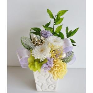 〜プリザーブドフラワーアレンジメント〜 故人を偲ぶお供え花∵  ♪シンプルな色合わせで和洋どちらの仏...