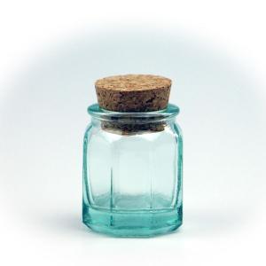 ガラス瓶 コルク瓶 ふた付き 蓋付 / エコガラスボトル コルク栓 八角柱 5148 ミニ 容量38cc 6863728 送料別 通常配送 / リサイクルガラス ガラスボトル|handsman