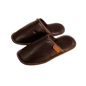 本格的でありながら気軽に使える素材感と、履き心地の柔らかさが、見事にマッチしたスリッパです。底面は丈...