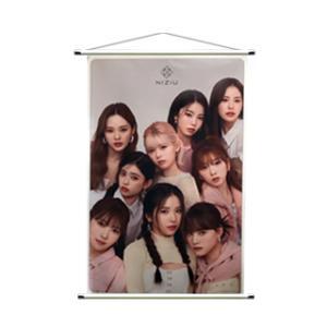 NIZIU (ニジュー) 大型 タペストリー (LARGE TAPESTRY) 90cm x 60cm SIZE グッズ|hanryubank