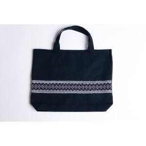 手刺繍スモッキング ライン柄 紺色布製レッスンバッグ|happy-clover