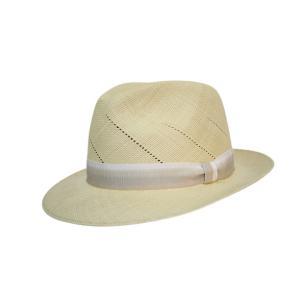 日本製本パナマ。 エクアドル産の帽体を日本の技術で仕上げました  クラウンに入った斜めの透かしと 広...