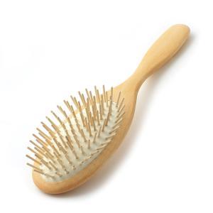 レデッカー(Redecker)社のウッドピンブラシ(オーバルLサイズ)です。 髪通りの良いストレート...