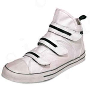 ●滑りにくい靴底ハイパーV搭載屋根作業、高所作業に最適な作業シューズ。 ●水、油、石鹸水でも滑りにく...