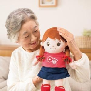 即納 みーちゃん 人形 おしゃべりみーちゃん おもちゃ 電子玩具 ぬいぐるみ しゃべる しゃべる人形 音声認識人形 敬老の日 グッズ おすすめ 人気 プレゼント付|heartdrop